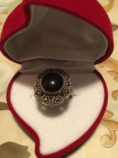 onyx studded silver cabochon ring