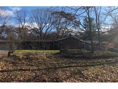 3 Bed 2 Bath Preforeclosure Property in Nassau, NY 12123 - Loweree Rd