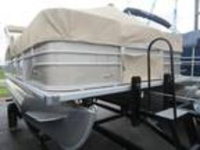 2018 SunChaser Oasis 18 Fish Pontoon