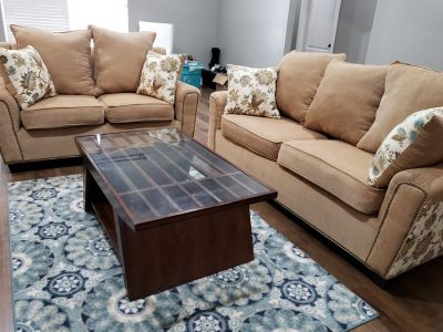 Newly Custom made Sofa & Loveseat w/Coffee table & Rugs