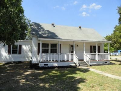2 Bed 1 Bath Foreclosure Property in Saint Pauls, NC 28384 - E Stack St