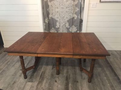 Solids wood dining table
