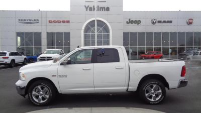 2018 RAM 1500 BIG HORN CREW CAB 4X4 5'7 BOX (Bright White)