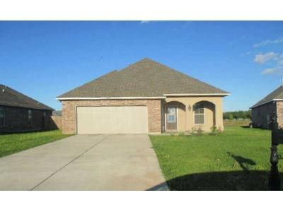 3 Bed 2 Bath Foreclosure Property in Iowa, LA 70647 - Bennington Road