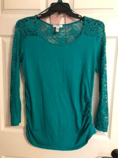 Size XL Maternity Longsleeve Lace Top