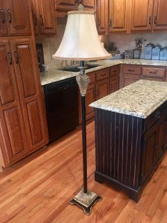 BEAUTIFUL FLOOR LAMP in BLK & GOLD ! please see other pics of detailing !