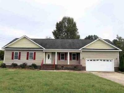 283 Rose Rd Pikeville, Three BR, Two BA home with 2 car