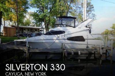 2002 Silverton 330
