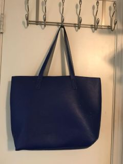 Reversible large leather tote