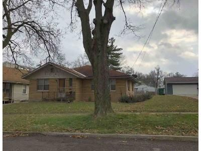 2 Bed 1 Bath Foreclosure Property in Peoria, IL 61604 - W Thrush Ave