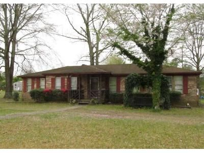 3 Bed 2 Bath Foreclosure Property in Bessemer, AL 35023 - Willow Bend Ln