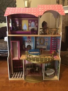 Awesome doll house