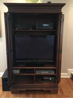 TV cabinet/ armoire