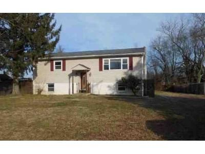 2 Bed 1 Bath Foreclosure Property in Bridgeton, NJ 08302 - Longview Dr