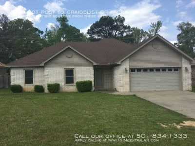1044 Colonial Dr., Jacksonville, AR 72076 - 4br 2ba 5 minutes from LRAFB