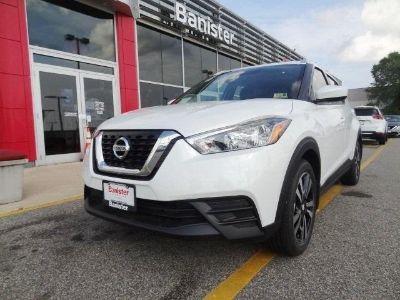 2018 Nissan Kicks SV (Aspen White)