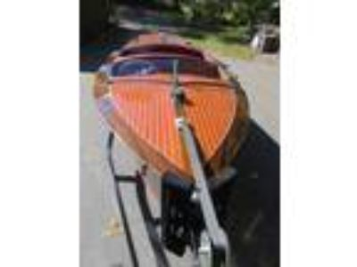Chris-Craft - Deluxe Runabout
