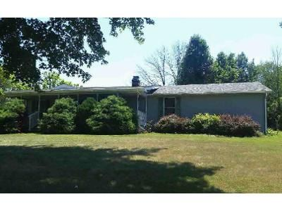 3 Bed 2 Bath Foreclosure Property in Crothersville, IN 47229 - Park Ave