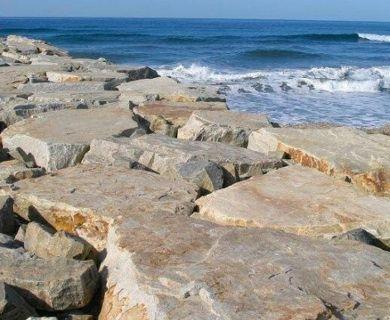 JETTY ROCK, BEACH EROSION CONTROL, GABION STONE, SEAWALLS, RIP RAP