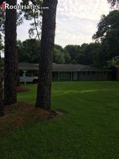 $700 4 single-family home in East Baton Rouge