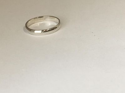 Shiny Silver Band Ring Size 6 3/4