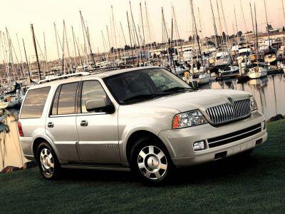 2005 Lincoln Navigator Luxury (Beige)