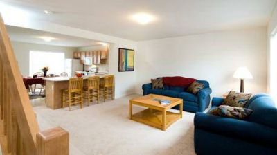 - $520 sublet my 1 bedroom w private bath (1 month rent prepaid) (Copper Beech Townhomes)