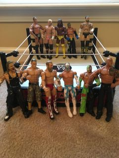 Wrestling ring and figures!