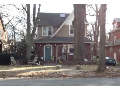 5 Bed 2.5 Bath Foreclosure Property in Teaneck, NJ 07666 - Sussex Rd