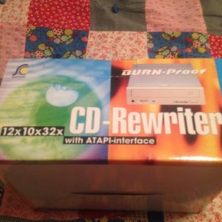 CD Read\Writer - 12X10X32 - NEW