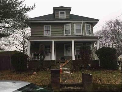 4 Bed 1.5 Bath Foreclosure Property in East Weymouth, MA 02189 - Maple St