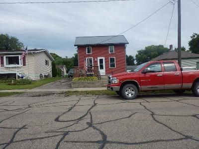 2 Bed 1.5 Bath Preforeclosure Property in Morristown, MN 55052 - Division St N