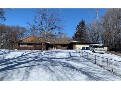 3 Bed 2 Bath Preforeclosure Property in Saint Paul, MN 55117 - Viking Dr E
