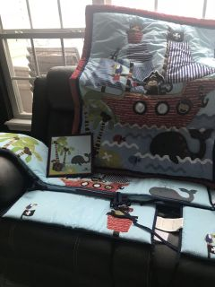 Baby bed set and matching decor