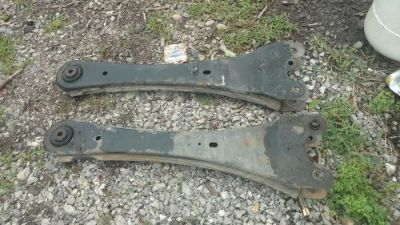 Sell 2005-2016 Ford Superduty Factory/OEM Radius Arm Pair take off motorcycle in Maryville, Tennessee, United States, for US $150.00