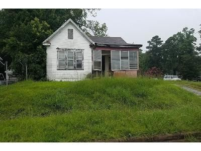 3 Bed 1 Bath Preforeclosure Property in Shreveport, LA 71104 - Elm St