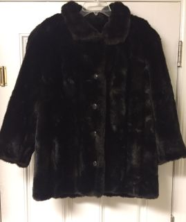 Beautiful Vintage Faux Fur Coat. Size L/XL. So much prettier in person. Like New! CP.