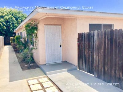 Remodeled Adorable front unit duplex w/New Flooring+Patio+laundry in unit+Garage Adj To Redondo Beach