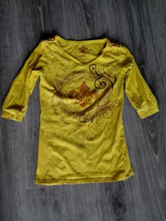 Girl's Top. Size S.
