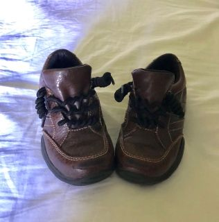 Size 10 low top leather boots