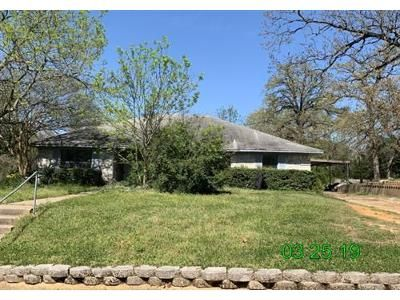 3 Bed 2 Bath Foreclosure Property in Buffalo, TX 75831 - Cottonwood Ln