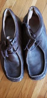 Brown mens' soft leather shoes