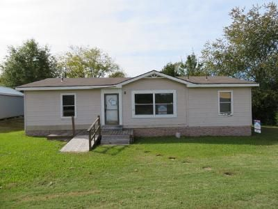 3 Bed 2 Bath Foreclosure Property in Byhalia, MS 38611 - Cayce Rd