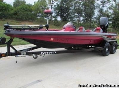 2008 NITRO 898 Bass Boat