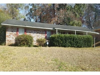 3 Bed 2 Bath Foreclosure Property in Natchez, MS 39120 - Barth St