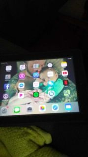AT&T IPad 128gig black in color