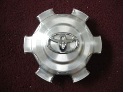 Sell TOYOTA FJ CRUISER FACTORY ORIGINAL OEM CENTER CAP HUBCAP 2938 motorcycle in Azusa, California, US, for US $24.99
