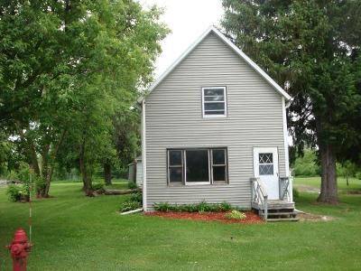 4 Bed 1 Bath Foreclosure Property in Almena, WI 54805 - Clinton St N