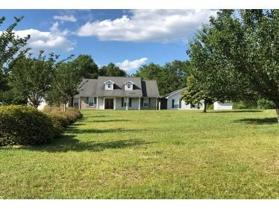 1 Bath Preforeclosure Property in Pass Christian, MS 39571 - Cleo Smith Rd
