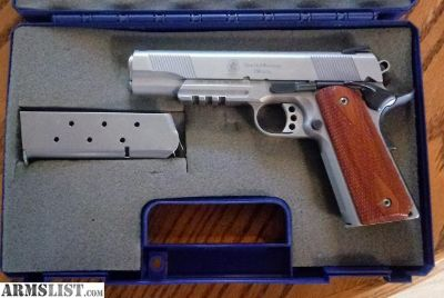 For Sale/Trade: S&W 1911 stainless 45acp with accessory rail